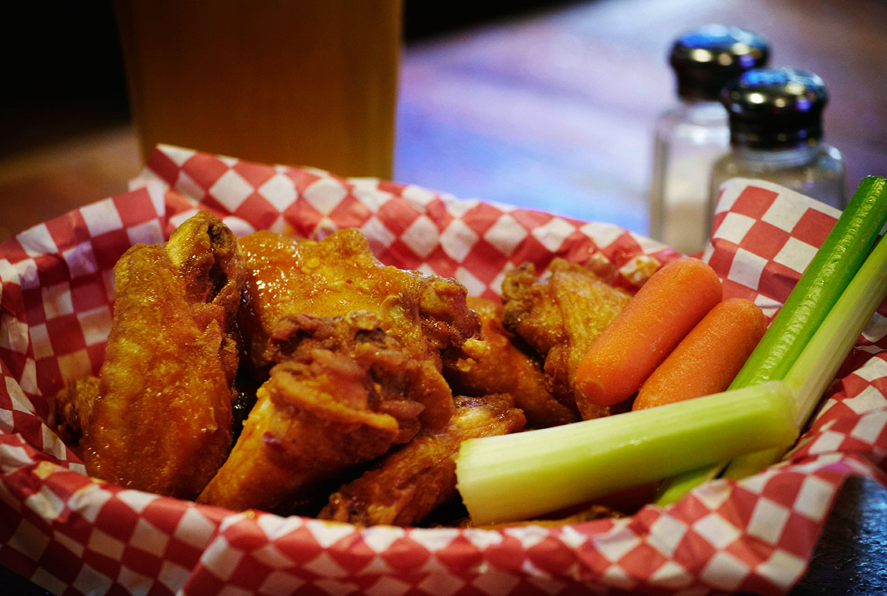 Home | Roosters | Hot Wings | Bar and Grill